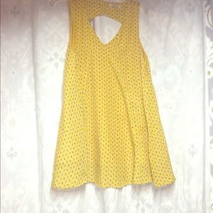 Very J Medium Yellow Dress w/ Tulip Flowers